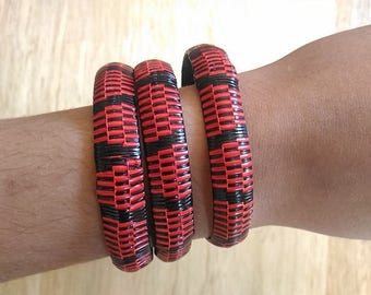 African recycled plastic - red, black bracelet - braplam02