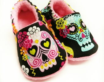 Sugar Skull Baby Shoes,Pink skull slippers,Day of The Dead,baby slippers,Dia de los Muertos,baby Soft Sole,Rockabilly