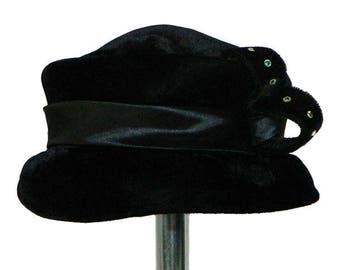 Vintage 1950's Black Velvet Pill Box Hat