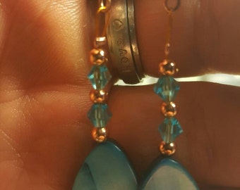 Earrings Mother of pearl, crystal and copper.