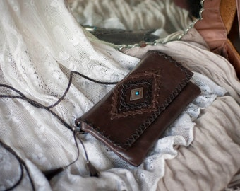 WILD HIDE RANGE Kangaroo Leather Clutch Purse in Dark Brown w Hand Laced Design and Features