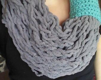 Arm knit Infinity Scarf