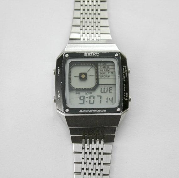 Vintage Seiko G757 - 4010 Watch, James Bond Mens Alarm Chronograph Digital