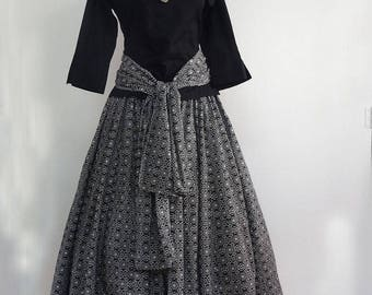 Black and white cotton mid-length skirt with bubble pattern and matching scarf Woman fashion