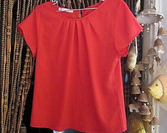 Adorable Red Blouse With Delicate Pleated Rounded Neckline, Vintage - Medium