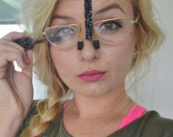 No more magnifying mirrors! Apply Eye Makeup Wearing Your Own Glasses - SpecsUp! Unique Mother's Day Gift