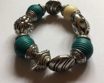 Chuncky beaded bracelet