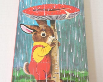 I Am a Bunny (A Golden Sturdy Book) Illustrated by Richard Scarry