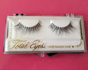 Vintage 1960s Mod Fake False Eyelashes Eye Lashes TWIGGY TOTAL EYES in Original box Human Hair Trimmed & Feathered