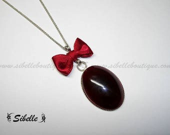 Red fantasia (C2 1) knot necklace