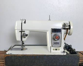 Vintage Brother Sewing Machine / Brother Profile 851 / Vintage Sewing Machine / Sewing Machine / White Sewing Machine / Mid - Century
