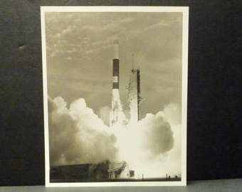 NASA Photo 2/19/76-Delta 120 launching 1st link in a Maritime Communication Satellite -JFK
