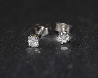 Platinum and Diamond stud earrings. Claw set Platinum stud earrings