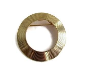 Goldtone Circle Brooch / Geometric Shape Pin/ Minimalist Brooch /Vintage Ribbed Eternity Brooch