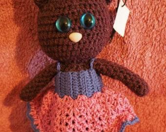 Crochet cat with dress