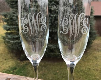 Toasting Glasses, Etched Champagne Glasses, Wedding Champagne Glasses, Couple Wedding Gift, Just Married, Toasting Glasses, Custom Etched