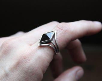 Black Onyx silver ring, Size 7