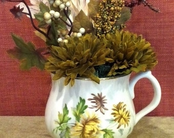 Monthly Flower November Cup,  Thanksgiving, floral arrangement,Fall