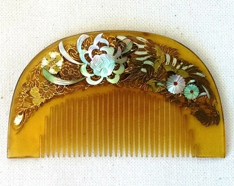 Hair comb Vintage Japanese Kushi Hair Ornament Comb Blonde tortoiseshell Meiji period (1868-1912)