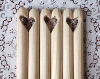 Crochet Crochet en bois géant. Extrême au crochet. Sculpté à la main. Outil en bois. Fabriqués à la main. Crochet cadeau. Crochet amateur. Diamètre de 23 mm de large au crochet