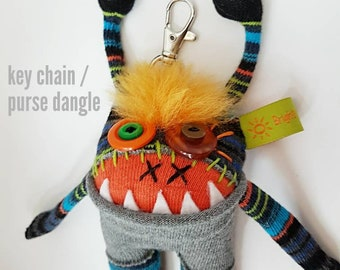 """SOLD !       Keychain / purse dangle 5"""" Sqwaggle monster"""