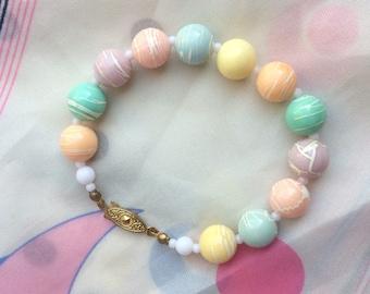 Adorable Vintage 1980s Candy Pastel Bead Bracelet
