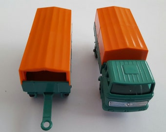 Vintage Matchbox Series No 1&2 Mercedes truck and trailer, Made in England by Lesney Condition 9.5