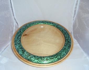 M 5 large Bowl with Decorative rim.