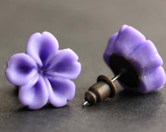 Lavender Flower Earrings. Purple Earrings. Bronze Post Earrings. Innie Flower Button Jewelry. Stud Earrings. Handmade Jewelry.