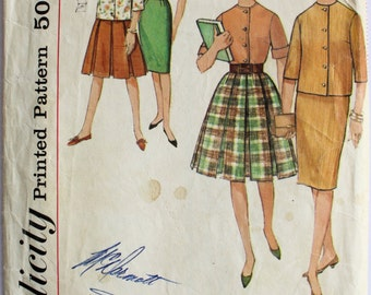 Vintage 1960s Womens Skirt and Blouse Sewing Pattern Size 8 Sub-Teen Bust 28 Simplicity 4577
