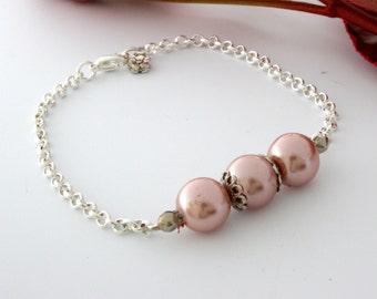 Vintage rose / pink bracelet with pearls. Silver bracelet. Pearl bracelet. Rose bracelet, pink bracelet, beaded bracelet.