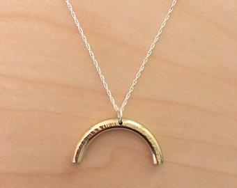 Arch pendant necklace