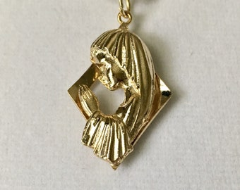"""Praying Madonna pendant, Virgin Mary medallion, religious pendant, vintage gold plated pendant, 1 1/4"""" long with 18"""" snake chain"""
