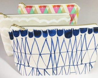 Cosmetic pouch, make up bag, zipper pouch, travel pouch, coin purse, zipper wallet, pencil case, japanese fabric, cotton, tulip, floral