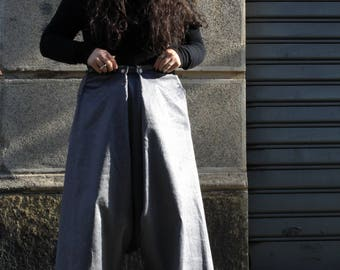 Velvet skirt/trousers in a thousand lines grey-colored pearl shimmering 4 buttons