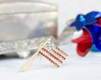 Happy Independence Day Brooch - Vintage Flag Pin - Patriotic Gift For Her