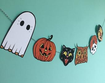 Vintage Halloween inspired bunting/ Halloween bunting / Halloween decoration / trick or treat / Halloween banner / Halloween party