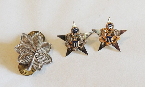 """3 Military Vintage Pins.. 1"""" Oak Leaf & 2 Stars With Eagle.  All Sterling Silver"""