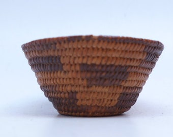 Vintage  Small Pima Basket -  1930s - Hand Made Basket - Native American Basket - Indian Basket - Native Textiles