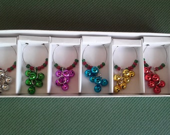 Christmas Wine Charms ~ Jingle Bells Beaded Glass Wine Charms ~ Set of 6 Wine Charms~ Housewarming Gift ~ Hostess Gift
