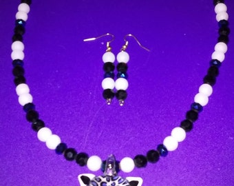 Black, White and Blue Leopard Necklace Set