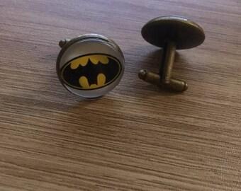 """BUTTON cuff """"superhero"""""""