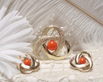 """VTG Sarah Coventry Faux Coral 2"""" Brooch Earrings"""