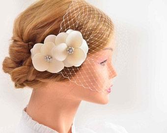 Bandeau birdcage veil Birdcage veil flower headpiece Bridal veil fascinator Bridal veil Flowers with veil White veil Flower birdcage veil