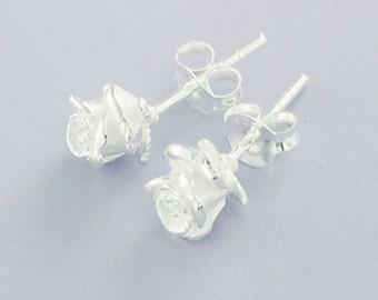 1 pair of 925 Sterling Silver Tiny Rose Stud Earrings 7mm. :er0955
