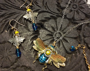 Bee Jewelry Set, Honey Bee Necklace with Earring, Bumble Bee, Bee Jewelry, Bee Keeper Gift, Buzzy Bee