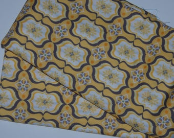 Yellow pattern fabric