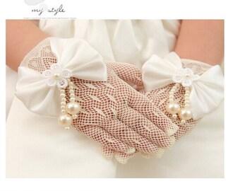 Flower girl gloves in handmade bowknot  ivory gloves tea party gloves