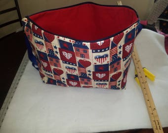 Americana tote with zipper opening