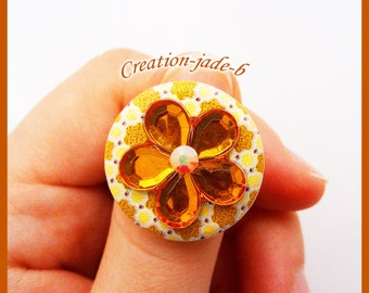 Wood with Rhinestone flower - adjustable button ring